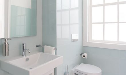 9 Ways to Make a Tiny Bathroom Look Bigger